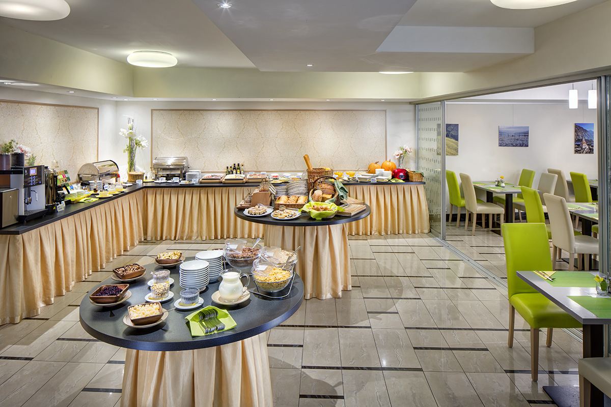 043-Hotel-Clement-Prague-Breakfast1-LQ
