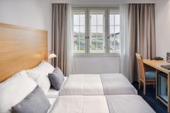 018b-Hotel-Clement-Prague-Standard-room-twin-viewLQ